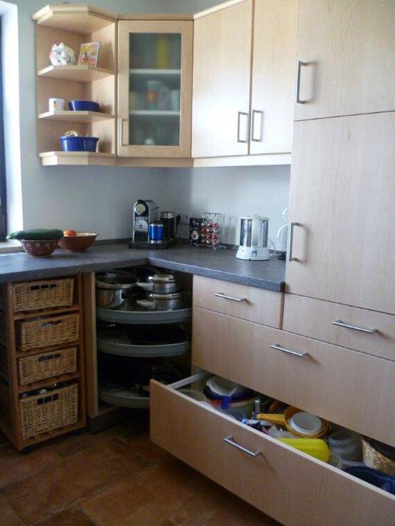 Einbauküche mit Echtholzfront kanadischer Ahorn